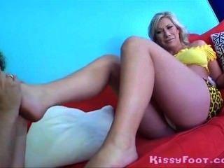 Pregnantlady Getsfootpleasure