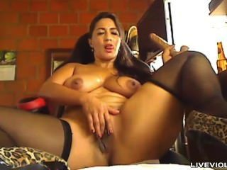 Busty Latina Mother Twerking Bombastic Booty