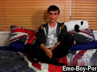 Gay Twinks 20 Yr Old Jake Wild Is A Wild Emo Lad Who Is Into The Idea Of