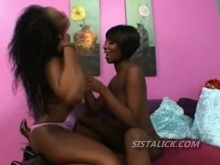 Close Up View Of Black Lesbian Pussy Ate