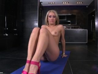 Nice Performance - Yvette