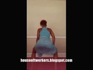 Ebony Twerking In A Dress