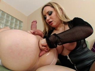 Aiden Starr Fisting Slave