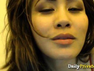Big Booty Asian Pornstar Jessica Rubbing Cunt