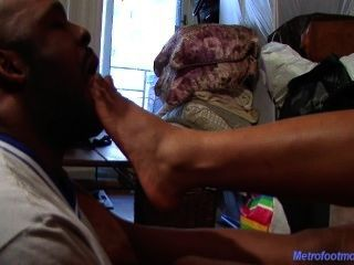 Gemini Lovell Ebony Foot Worship