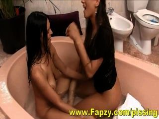 Intense Pissing Sex Porn From Teens In The Bath