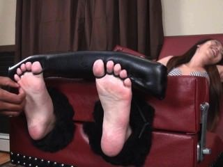 Asian Feet Tickle12