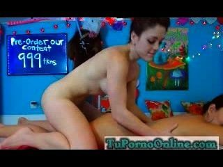 Teen Masturbandose En La Webcam