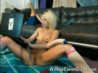 Amazing Hot Teen On Webcam