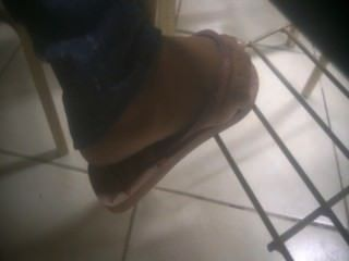 Candid College Girl Feet And Toes In Flip Flops