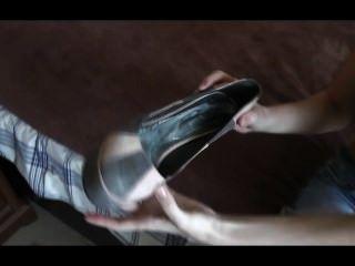 Shoe Spit Feet