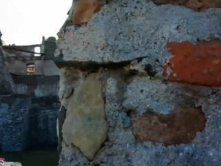 Aische Pervers - Sightseein Blowjob Auf Der Burg