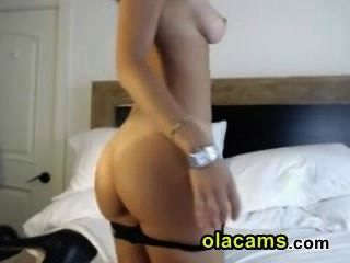 Young Brunette Get Naked On Webcam