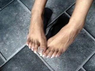 Long Toenails In Flip-flops