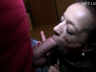 Sexy Model Deep Throat Swallow