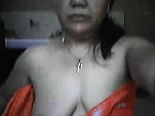 Asian Filipina Mom Lyla G Shows Off Her Body On Cam!