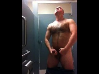 Muscle Daddy Jerkoff In Gym Locker Room