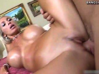 Busty Evita Pozzi Likes To Fuck Hard