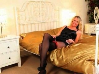 Blonde Girl In Heels Masturbate Herself