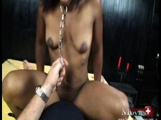 Junges Teeny Xenia 18j. Zum Ersten Mal Als Sklavin Gefesselt Und Abgefickt