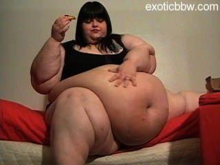 Bbw Candy Godiva Eats A Pizza.