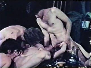 Peepshow Loops 400 1970s - Scene 2