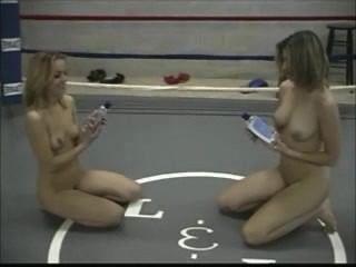 Amateur Lesbians Strip
