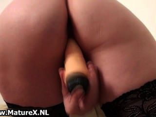Old Mom With Sexy Butt Is Sticking Big Part5