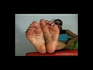 Western Sunglass Blonde Shows Off Her Big Sweaty Nordic Feet For Worship