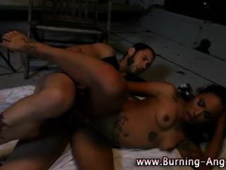 Tattooed Ebony Slut Gets Oral