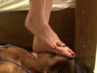 Brzfeet_face_stomping_part3_of_6