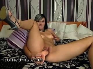 Hot Girl On Webcam Fucking Pussy With Big Dildo - Bomcams.com