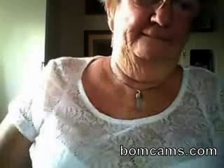 Grandma Showing Big Tits On Webcam - Bomcams.com