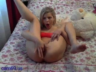 Hot Teen Blonde Open Her Pussy On Webcam Show