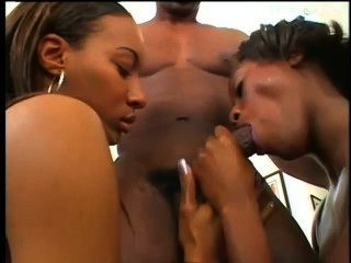 Ebony Sluts Share A Bbc Facial