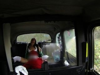Brunette Pussy Licked And Fucked By Santa In Taxi