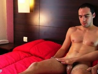 This Straight Guy Get Wanked His Large Cock By A Guy For His1srt Time Life!