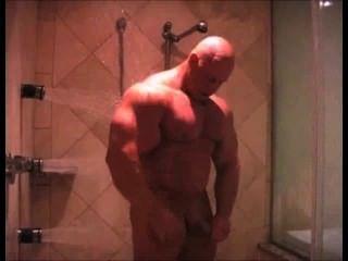 Mr. Muscleman - Musclebound Brad