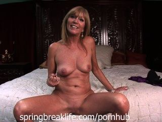 Milf Lotions Up Naked Body