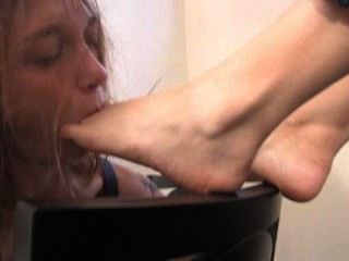 Claire Taste Some Feet