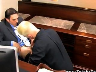Twink Sex Joey Perelli Asks Austin Lucas To Meet With Him In His Office