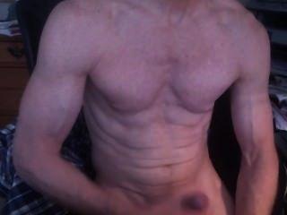Bodybuilder Wanking