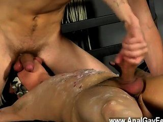 Hot Twink A Mutual Throating 69 Has The Very First Fountain Spilling Out,
