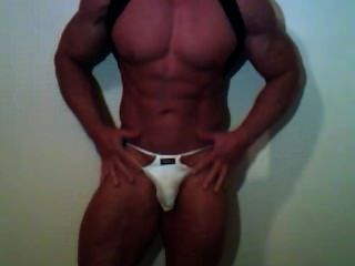 Cam Muscle Guy Showing Off