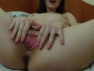 Amateur Girl Fingering On Webcam